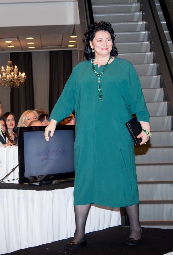 надежда бабкина выпустила коллекцию платьев что решили заказать