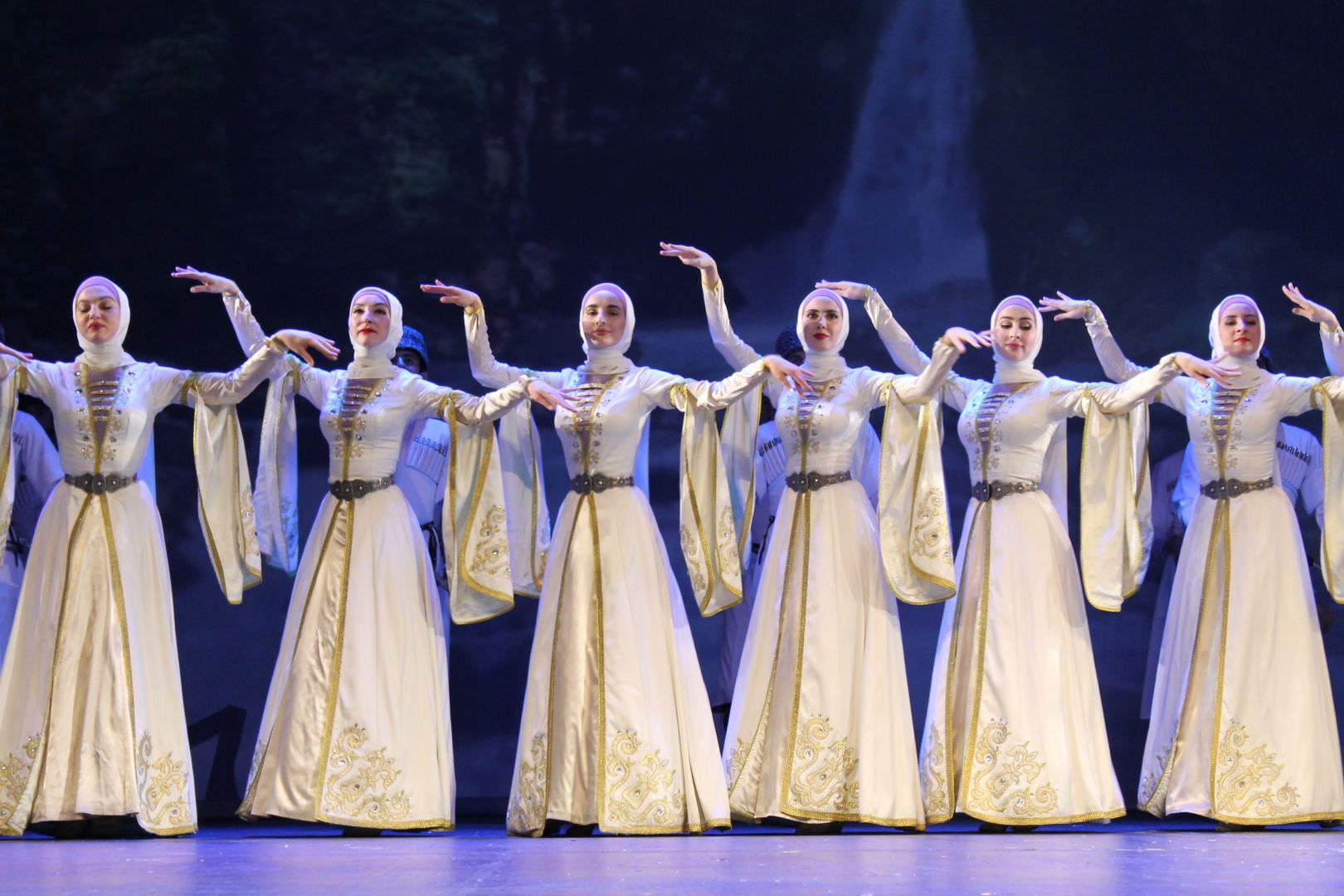 Чеченский танцы картинки